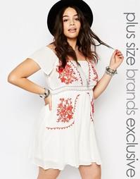 Платье в стиле фолк с открытыми плечами и вышивкой Alice & You - Белый