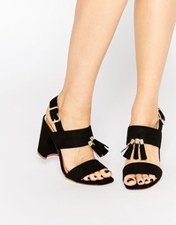 Черные босоножки на блочном каблуке с кисточками Miss KG Elaina
