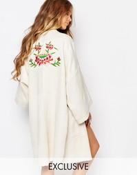 Кимоно с аппликацией на спине Reclaimed Vintage - Слоновая кость