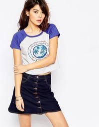 Укороченная футболка с контрастными рукавами реглан и надписью Brave S