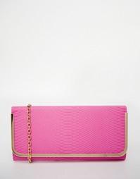 Розовый клатч с эффектом змеиной кожи и золотистой планкой ALDO