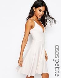 Короткое приталенное платье с запахом спереди и лямками сзади ASOS PET