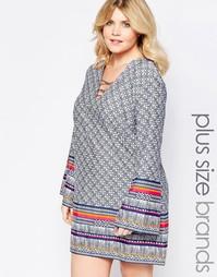 Цельнокройное платье с шнуровкой спереди и рукавами колокол Diya Plus