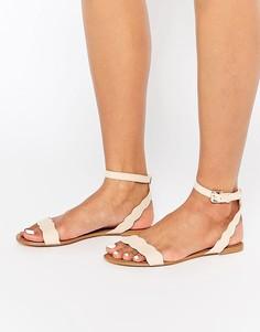Телесные замшевые сандалии с фактурной отделкой по краям Faith Jem