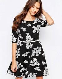 Приталенное платье с цветочным принтом Yumi - Черный