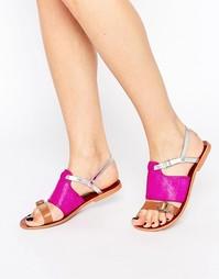 Кожаные сандалии на плоской подошве с ремешками Ravel