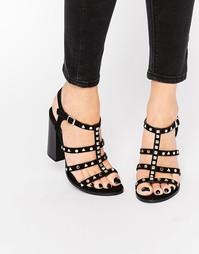 Гладиаторские сандалии на каблуке с заклепками Call It Spring Perren