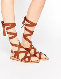 Гладиаторские сандалии с завязкой в области щиколотки London Rebel