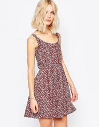 Короткое приталенное платье с цветочным принтом Brave Soul