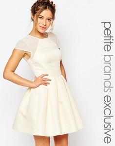 Плиссированное сетчатое платье мини для выпускного Chi-Chi London Peti