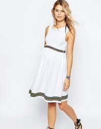 Приталенное платье для беременных с вышивкой ASOS Maternity - Белый