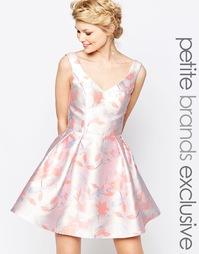Приталенное платье мини для выпускного с нежным цветочным принтом Chi-