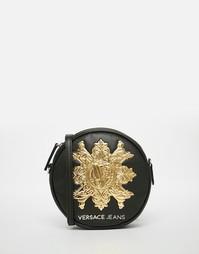 Круглая сумка через плечо с золотистым логотипом Versace Jeans - 899