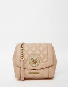 Розовая стеганая сумочка с ремешком-цепочкой Love Moschino