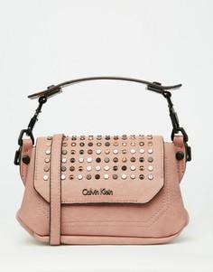 Небольшая сумка на плечо с заклепками Calvin Klein - Молочный коралл