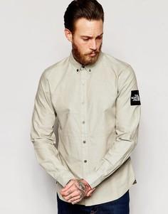 Оксфордская рубашка слим с нашивкой на рукаве The North Face - Мох