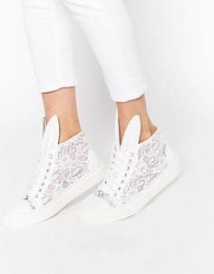 Высокие кружевные кроссовки белого цвета Minna Parikka - Белый