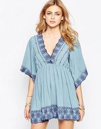 Платье с V-образным вырезом и вышивкой Hazel - Деним