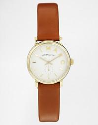 Часы с коричневым кожаным ремешком Marc Jacobs Baker MBM1317