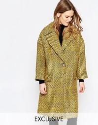 Желтое пальто из твида с большим воротником Helene Berman