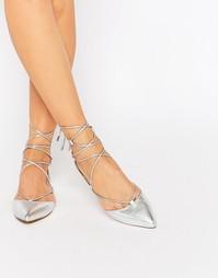 Серебристые кожаные туфли на плоской подошве с завязкой Carvela