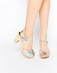 Серебристые босоножки на высоком каблуке с открытым носком Swedish Has