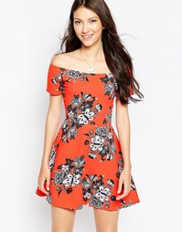 Платье с широким вырезом Motel Catalina - Цветок мандарина Morris