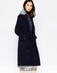 Темно-синее oversize‑пальто с голубым воротником из искусственного мех Helene Berman