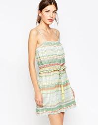 Платье в полоску со складками и завязкой с кисточками See By Chloe