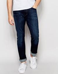 Суженные книзу джинсы слим Wrangler Larston