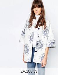 Бело-синие пальто-кимоно с цветочным узором Helene Berman - Белый