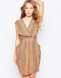 Платье с перекрестным передом и принтом Closet - Кэмел