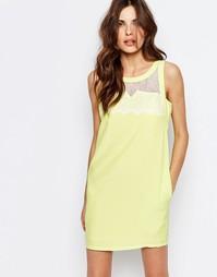 Цельнокройное платье с кружевом с мелкой бахромой See U Soon - Желтый