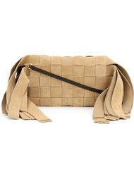 плетеный клатч Loewe