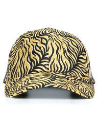 кепка с тигровыми полосками DressCamp