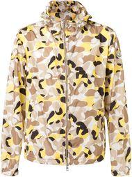 камуфляжная куртка-ветровка Moncler