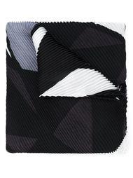 плиссированный шарф с геометрическим принтом Issey Miyake