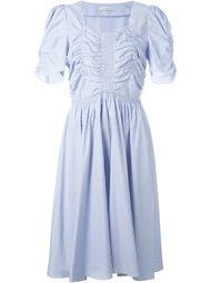 плиссированное платье в тонкую полоску J.W. Anderson