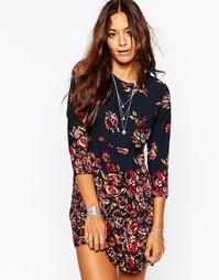 Платье-трапеция с цветочным принтом Abercrombie & Fitch