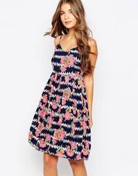 Летнее платье с принтом Sugarhill Boutique