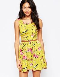 Платье с поясом и принтом с цветами и птицами Mela Loves London