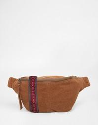 Коричневая сумка-кошелек на пояс с жаккардовой вставкой ASOS