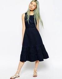 Темно-синее джинсовое платье миди с ярусной кромкой ASOS Carmen