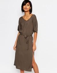 Платье миди с завязкой на талии и V-образным вырезом Vero Moda