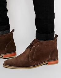Коричневые замшевые ботинки чукка со светлой подошвой ASOS