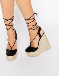 Черные сандалии на танкетке и шнуровке Lost Ink Cory Ghillie - Черный