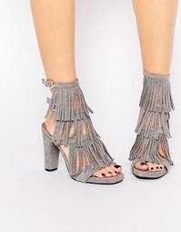 Серые босоножки на каблуке с бахромой Glamorous - Серый