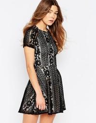 Кружевное короткое приталенное платье с короткими рукавами Girl In Min