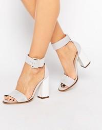 Серые замшевые сандалии из 2 частей Carvela - Серая замша