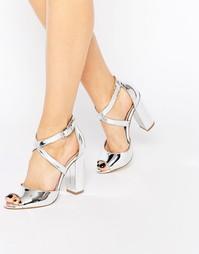 Серебристые сандалии на блочном каблуке Lipsy Violet - Серебряный